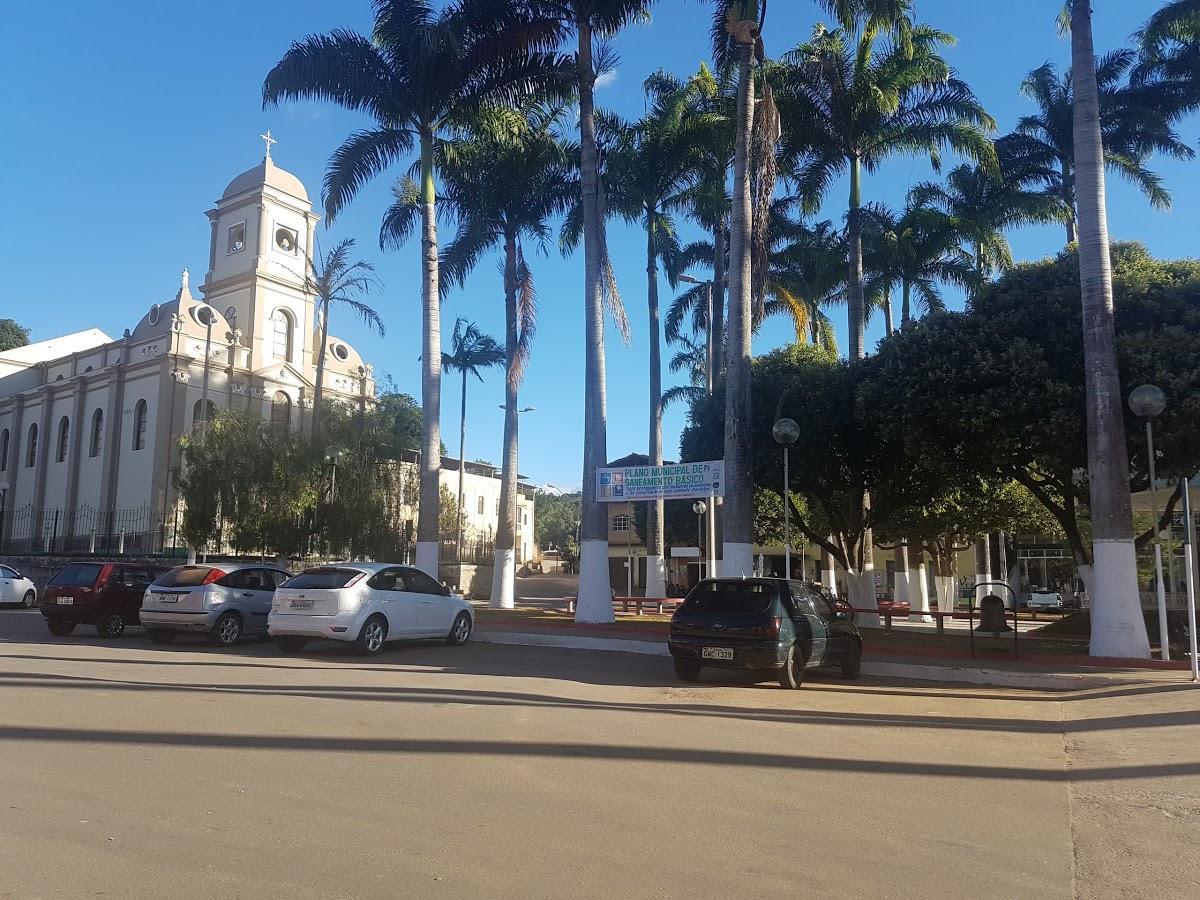 Entre Folhas Minas Gerais fonte: static.consolidesuamarca.com.br