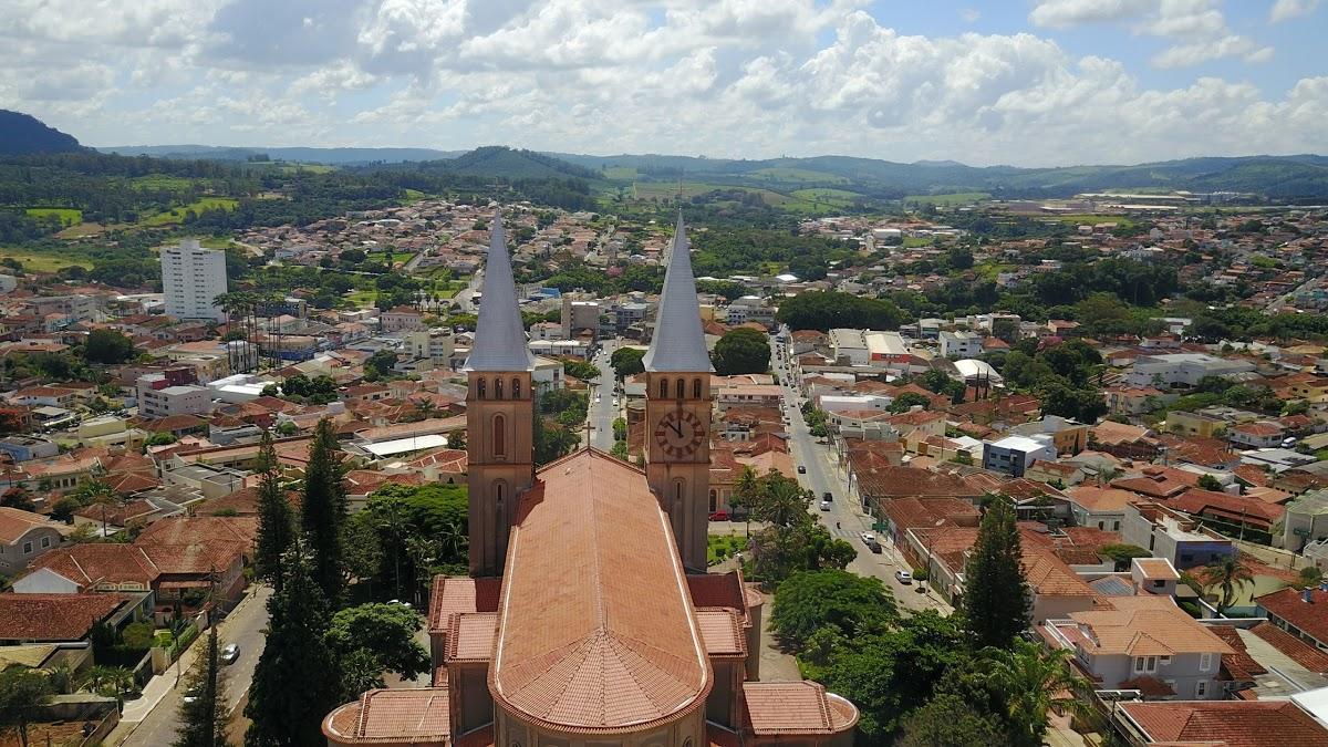 Guaxupé Minas Gerais fonte: static.consolidesuamarca.com.br